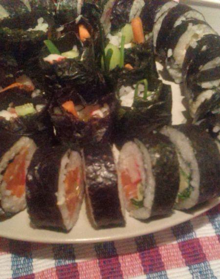 Sushi z bazylią